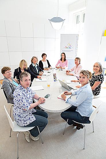 Organisationsteam des Unternehmerinnen-Netzwerks UTS © Inga Haar Businessfotografie