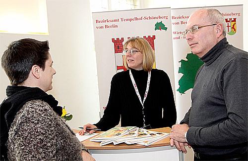 Heike Marfilius, Mitarbeiterin der Wirtschaftsförderung (Mitte) © Inga Haar Businessfotografie
