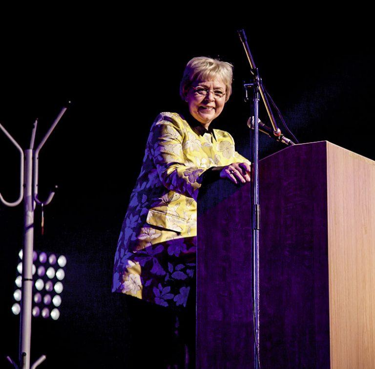 Jutta Kaddatz, Bezirksstadträtin für Bildung, Kultur und Soziales in Tempelhof-Schöneberg, eröffnet den Frauenmärz 2017 © Ellen Paschiller
