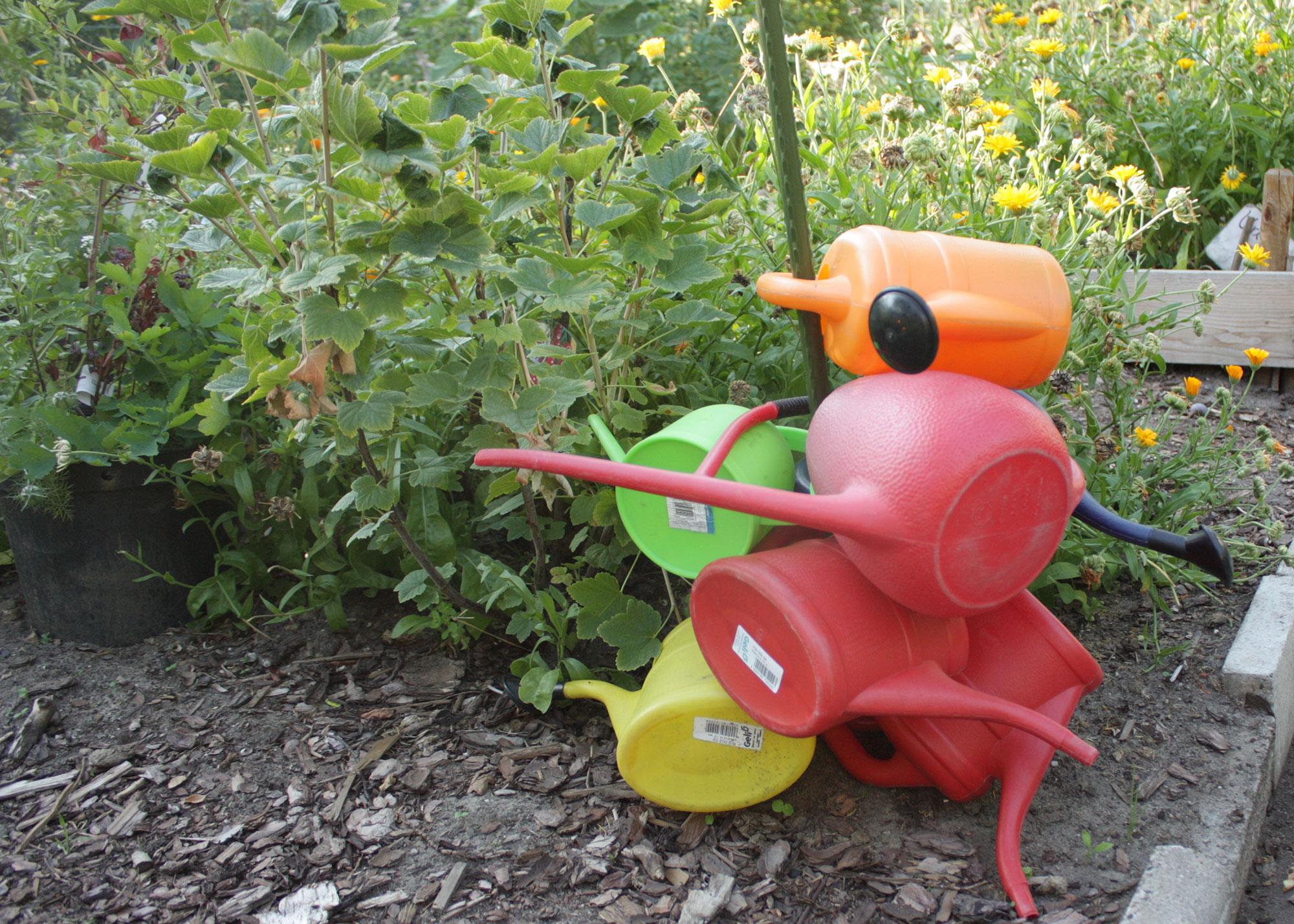 Auch die Kleinsten machen mit im Lehrgarten der Feldblume 1915 © K. Schwahlen 2018